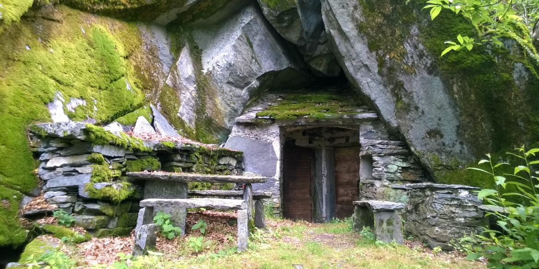 La Mesolcina – San Vittore e Grotti di Cama
